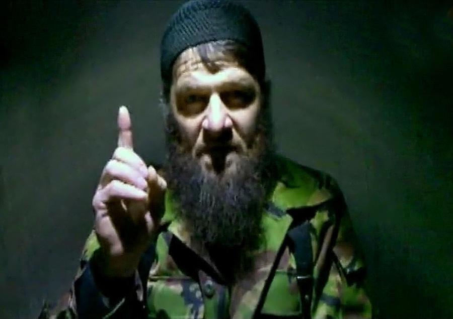Лидер боевиков Северного Кавказа Доку Умаров, который взял на себя ответственность за теракт в аэропорту Домодедово 24 января 2011 года, во время видеообращения. Фото © ИТАР-ТАСС / ИА Kavkaz-Center
