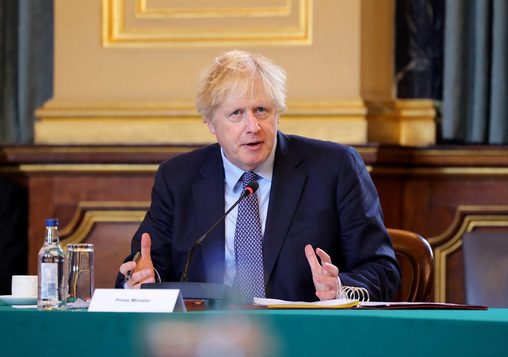 """Борис Джонсон назвал """"британский"""" коронавирус-мутант более смертоносным"""
