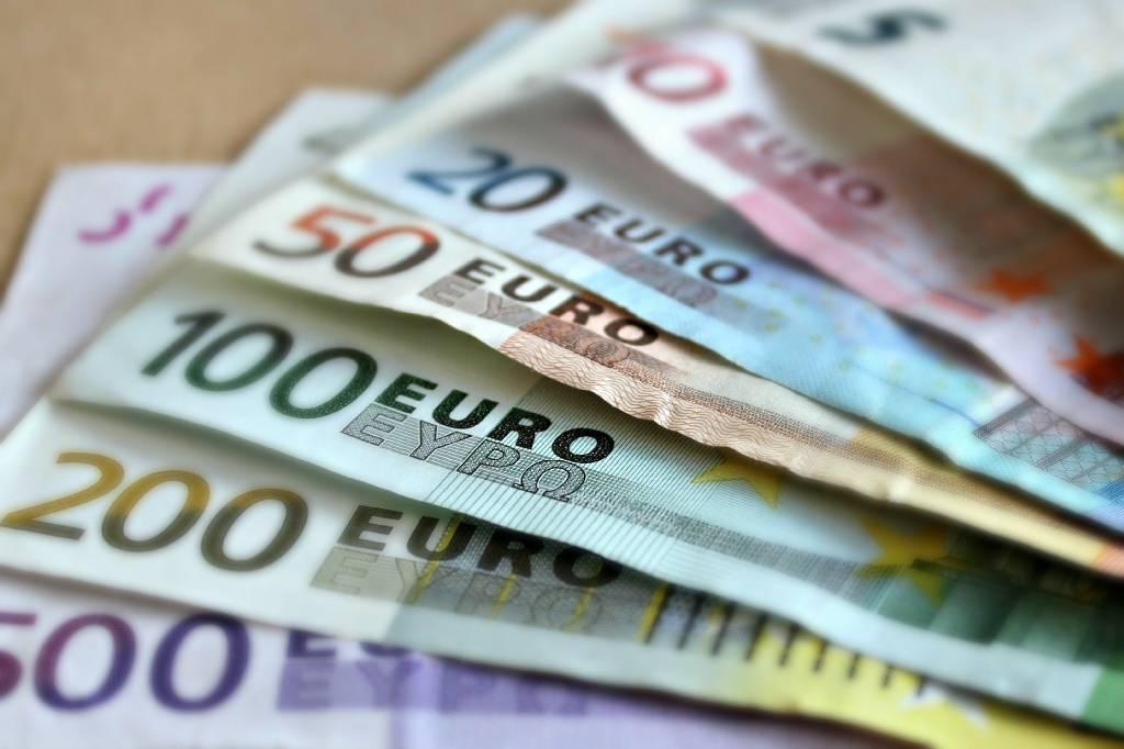 Курс евро вновь превысил 91 рубль
