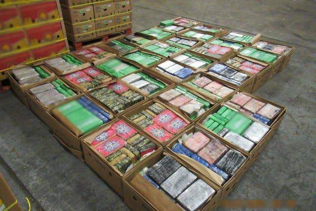 В Британии пограничники нашли почти тонну кокаина в партии бананов