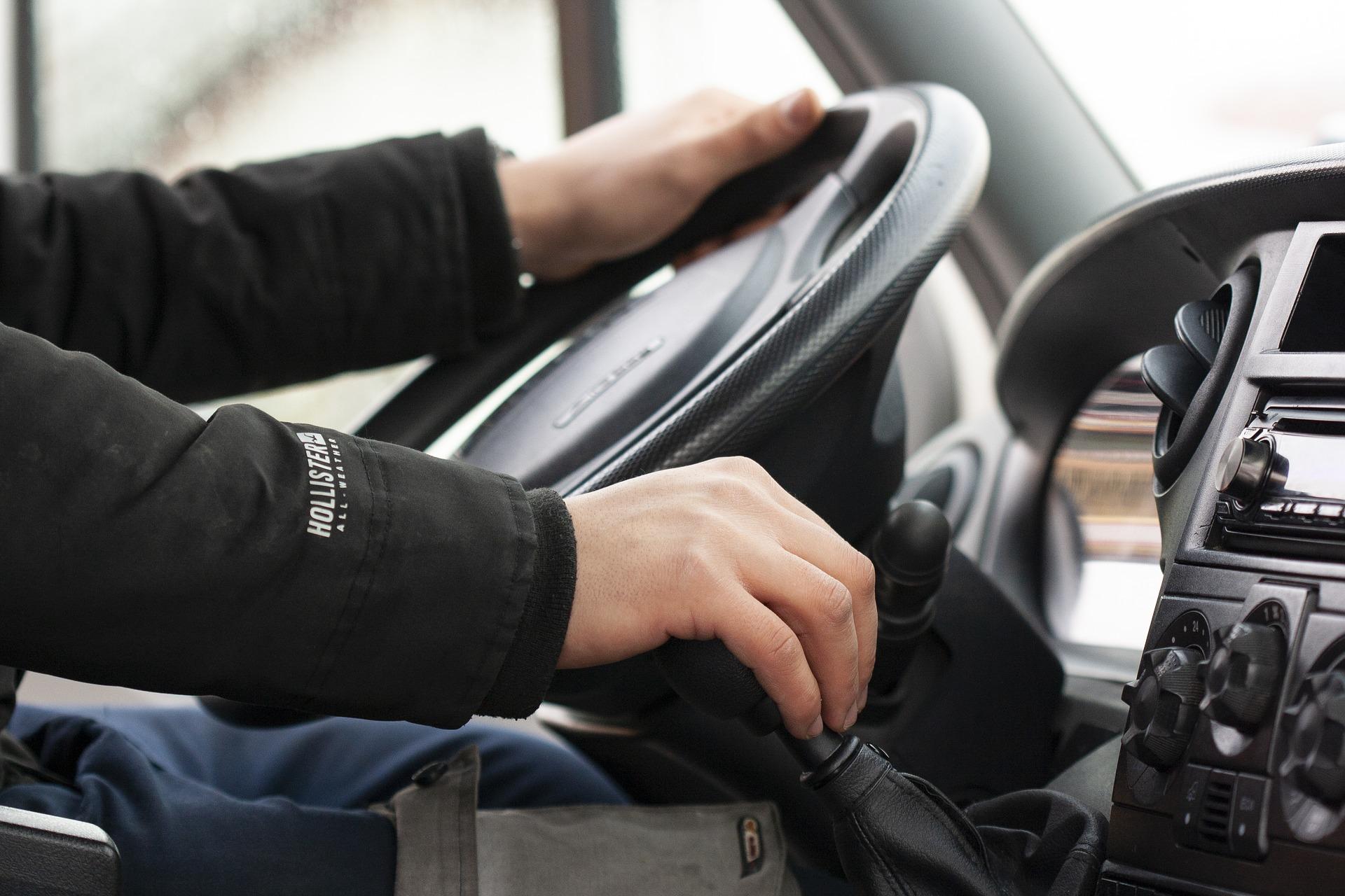 Штраф за автохлам и новые правила экзаменов на права. Юрист рассказал, что ждёт автомобилистов в 2021 году