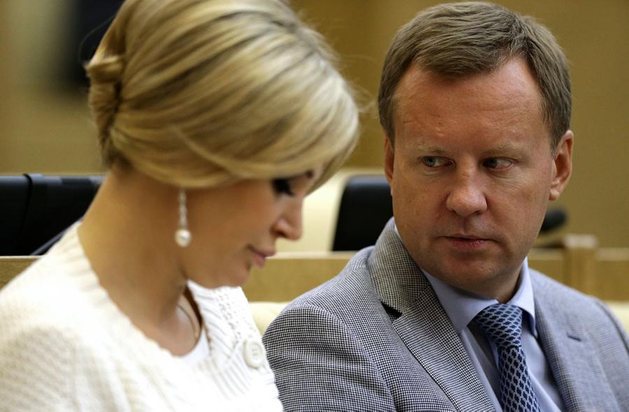 Мария Максакова и Денис Вороненков. Фото © ТАСС / Пресс-служба Госдумы РФ