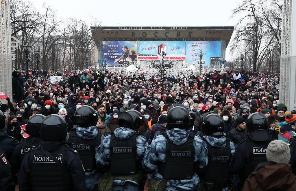 Песков назвал беспрецедентным уровень насилия со стороны участников незаконной акции 23 января