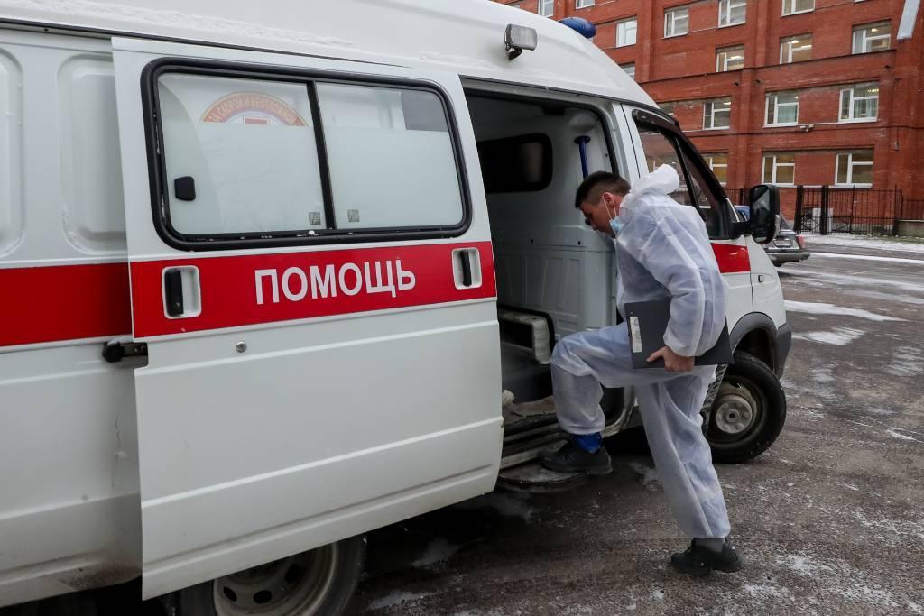 Контрактники пострадали при обрушении крыши в части в Подмосковье