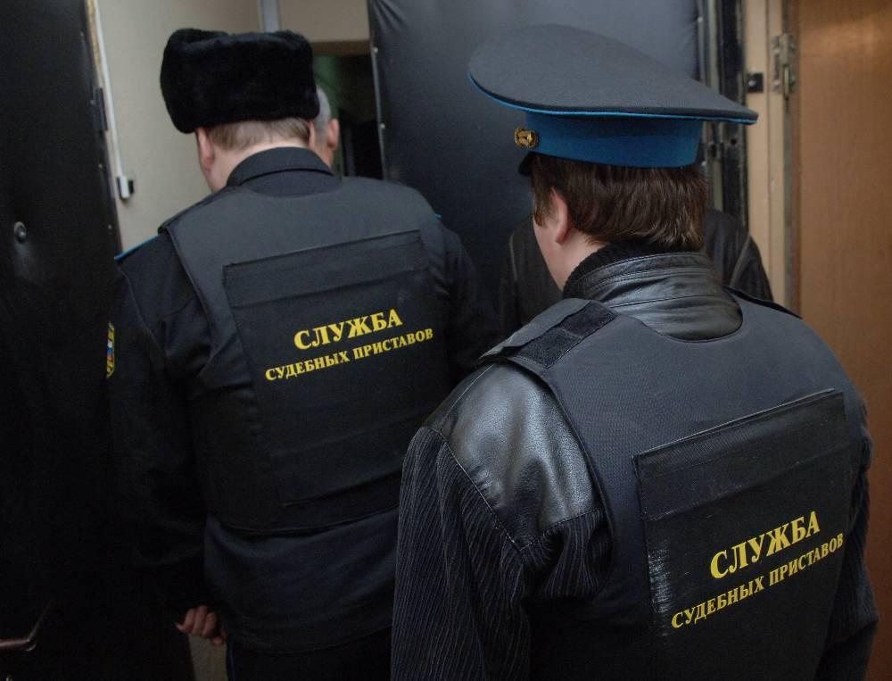 Россиянка с детьми осталась без крыши над головой из-за ошибки судебного пристава