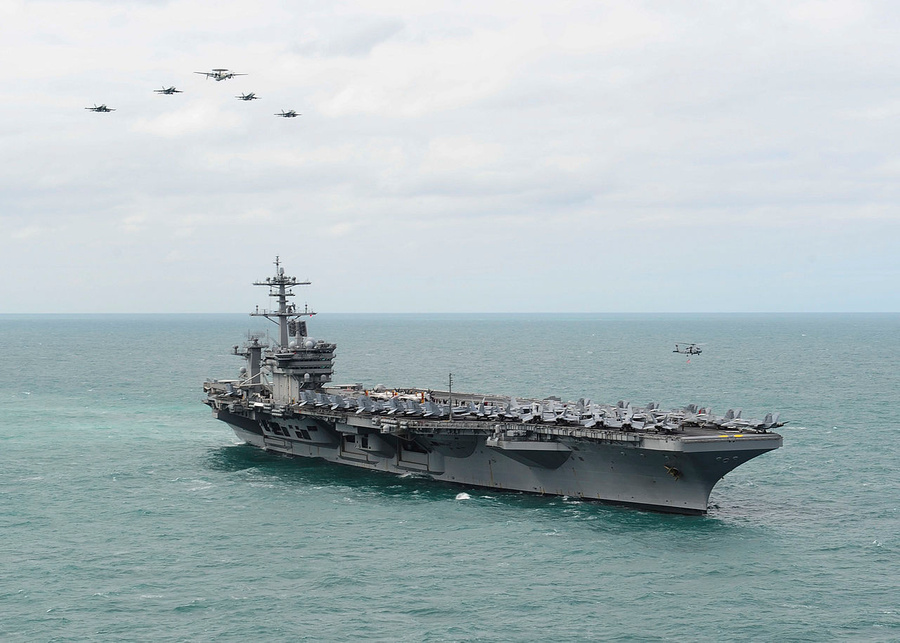 "<p>Фото © <a href=""https://ru.wikipedia.org/wiki/USS_Theodore_Roosevelt_(CVN-71)#/media/%D0%A4%D0%B0%D0%B9%D0%BB:USS_Theodore_Roosevelt_operations_150322-N-ZF573-140.jpg"" target=""_blank"" rel=""noopener noreferrer"">Wikipedia</a></p>"