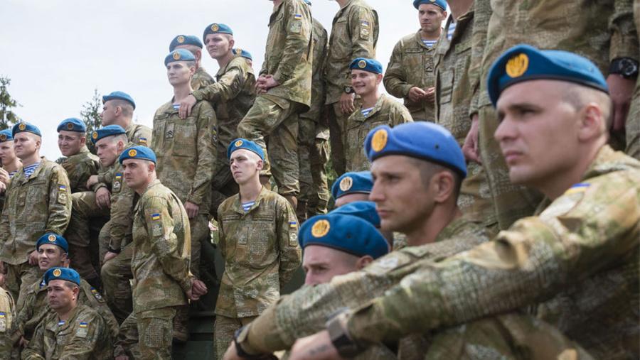"<p>Фото © <a href=""https://www.google.com/url?sa=i&url=https://commons.wikimedia.org/wiki/File:Soldiers_ukrainian_airborne-2.jpg&psig=AOvVaw3x1sElZlvXhEjKn1gJNlS1&ust=1610025914574000&source=images&cd=vfe&ved=0CAMQjB1qFwoTCMiLtpC0h-4CFQAAAAAdAAAAABAJ"" target=""_blank"" rel=""noopener noreferrer"">Wikimedia Commons</a></p>"