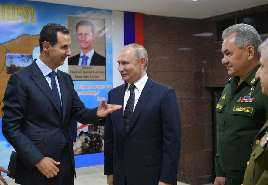 """<p>Владимир Путин спрезидентом Сирийской Арабской Республики Башаром Асадом (слева) во время визита в Дамаск в январе 2020 года. </p><p>Фото © <a href=""""http://www.kremlin.ru/events/president/news/62545/photos/62842"""" target=""""_blank"""" rel=""""noopener noreferrer"""">Kremlin.ru</a></p>"""