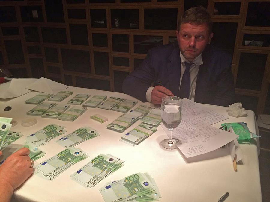 Задержание экс-губернатора Никиты Белых за взятку. Фото ©ТАСС