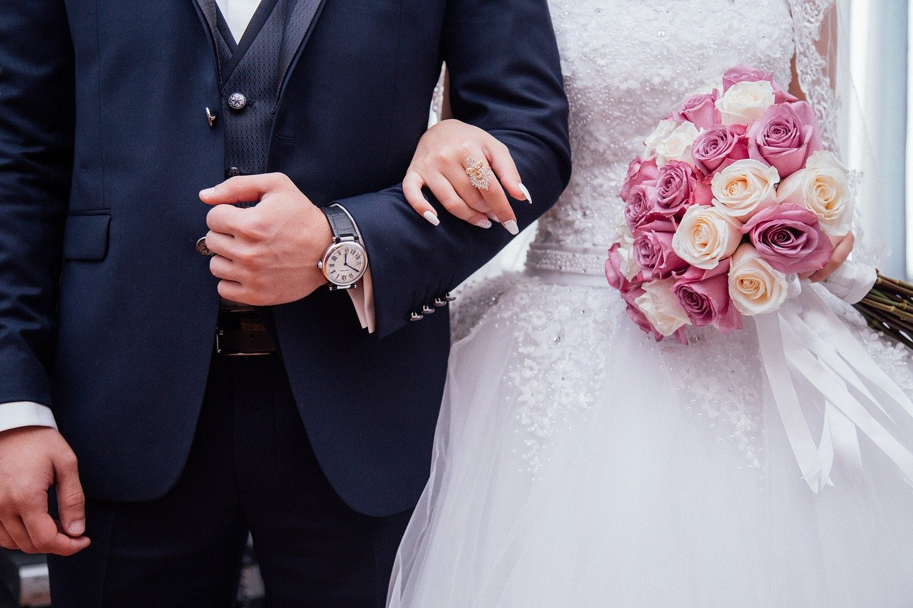 В Москве в нерабочие дни запретят свадьбы с гостями и фотографами