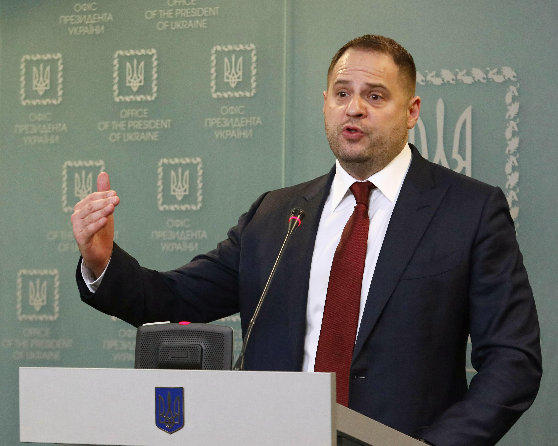 """Глава офиса Зеленского предложил провести срочную встречу в """"нормандском формате"""""""