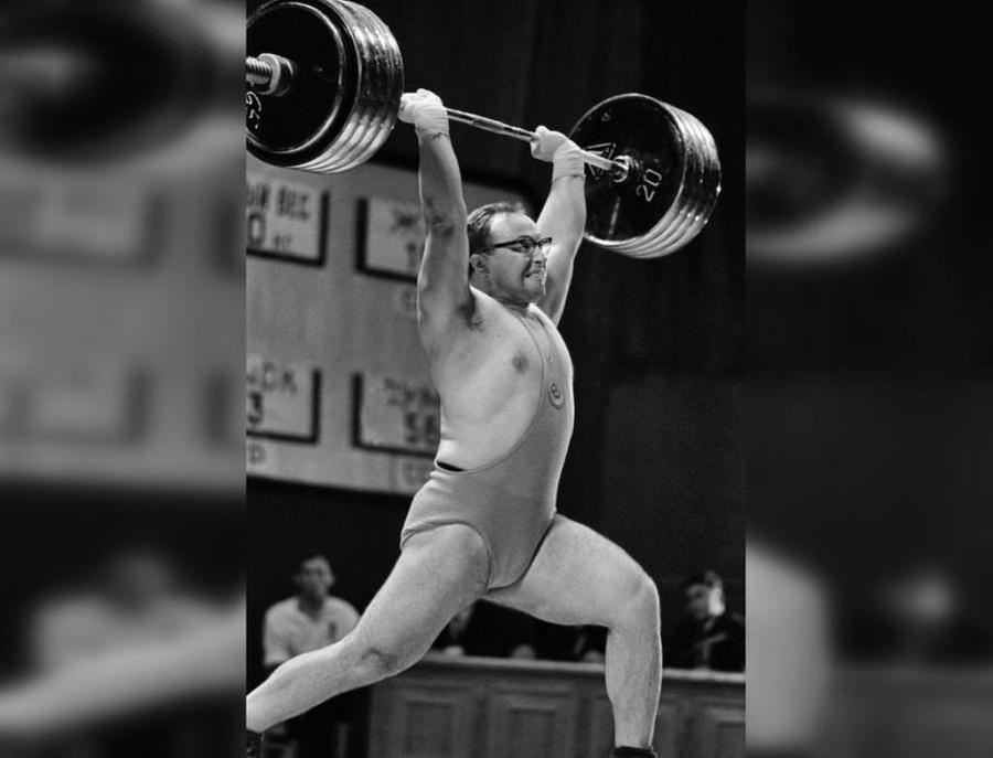 <p>Советский штангист Юрий Власов во время соревнований. Фото © ТАСС / Фотохроника</p>