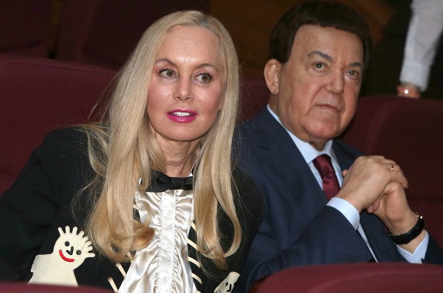 <p>Иосиф Кобзон с супругой Нелли. Фото © Вадим Тараканов / ТАСС</p>