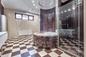 Ванная проданного Широковым особняка. Фото © Я Недвижимость
