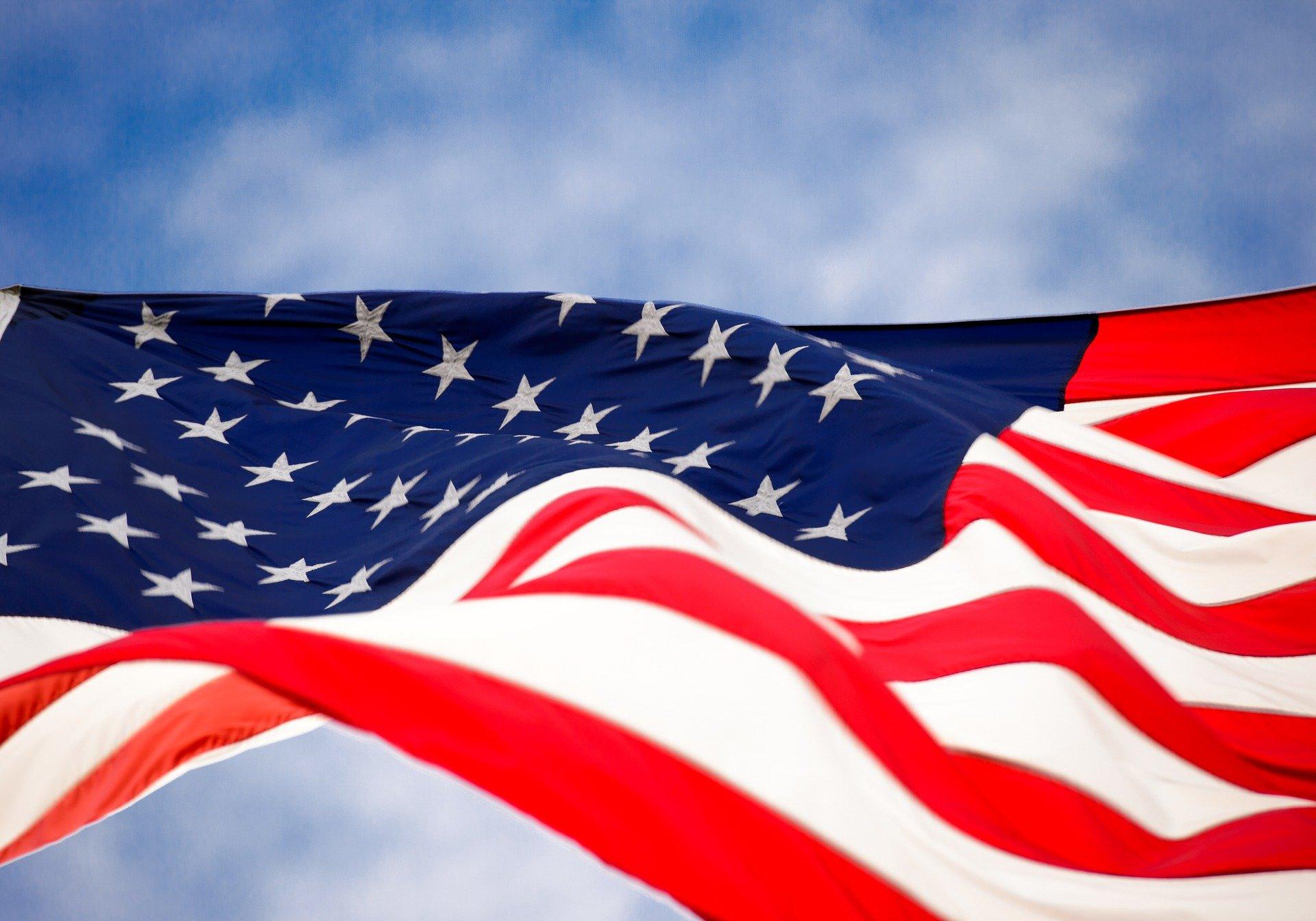 Посол США выразил надежду на возобновление консульских услуг в России