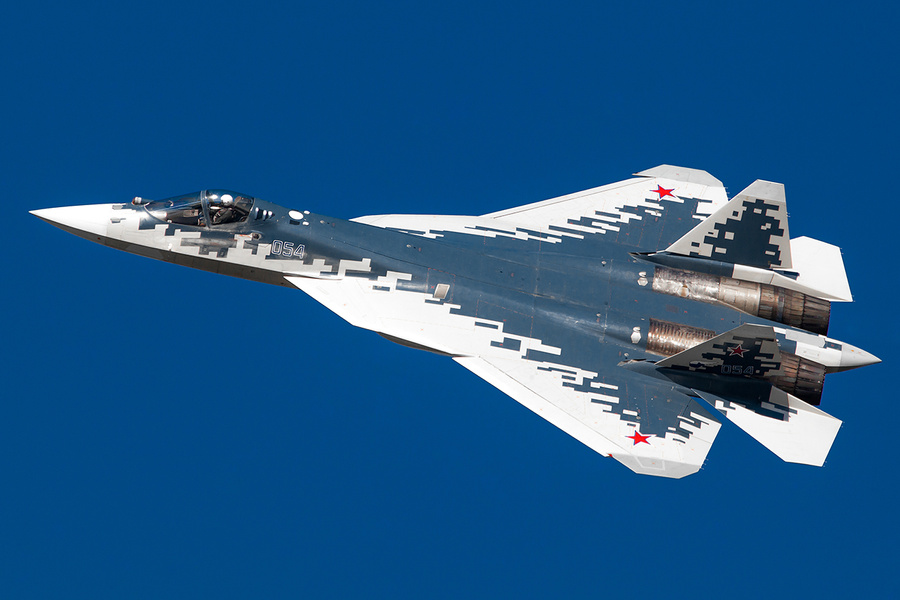 <p>Истребитель Су-57. Фото © LIFE / Роман Имполитов</p>