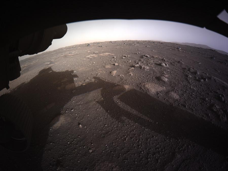 "<p>Фото © <a href=""https://mars.nasa.gov/resources/25612/perseverances-first-full-color-look-at-mars/"" target=""_blank"" rel=""noopener noreferrer"">NASA</a></p>"