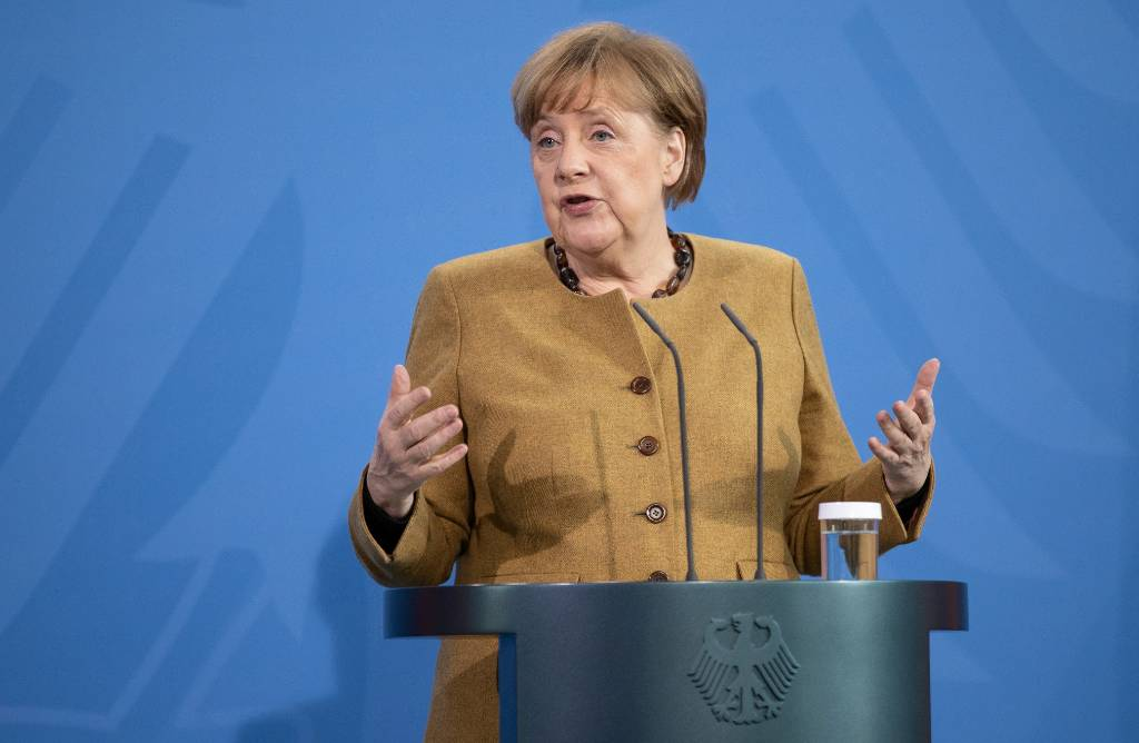 Меркель заявила о введении в ЕС электронных сертификатов вакцинации