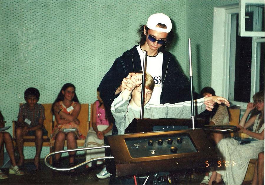 """Запись терменвокс-концерта для проекта """"Детское послание"""".  Фото © Wikipedia"""