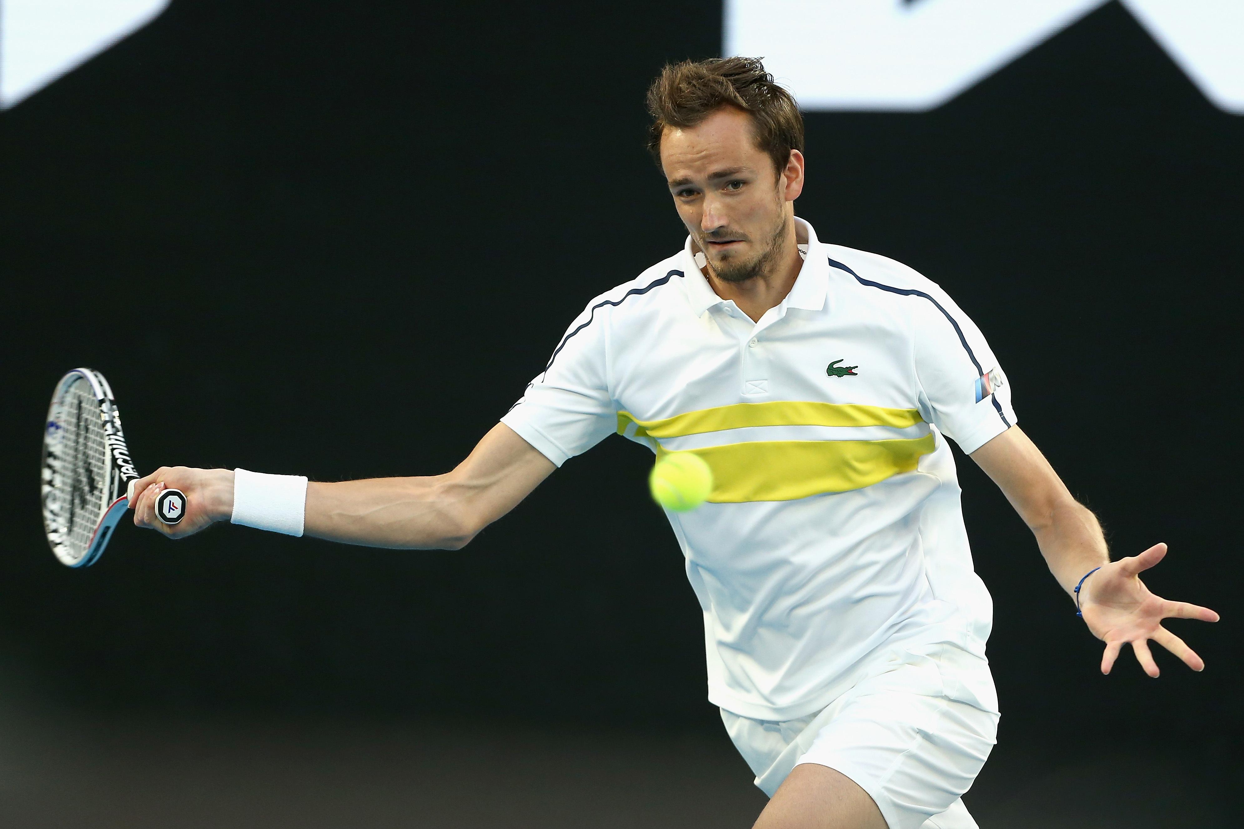 Теннисист Медведев проиграл Джоковичу в финале Australian Open