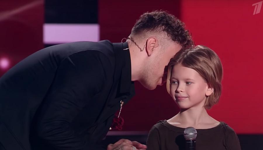 Кадр из видео YouTube / The Voice Kids Russia / Голос. Дети