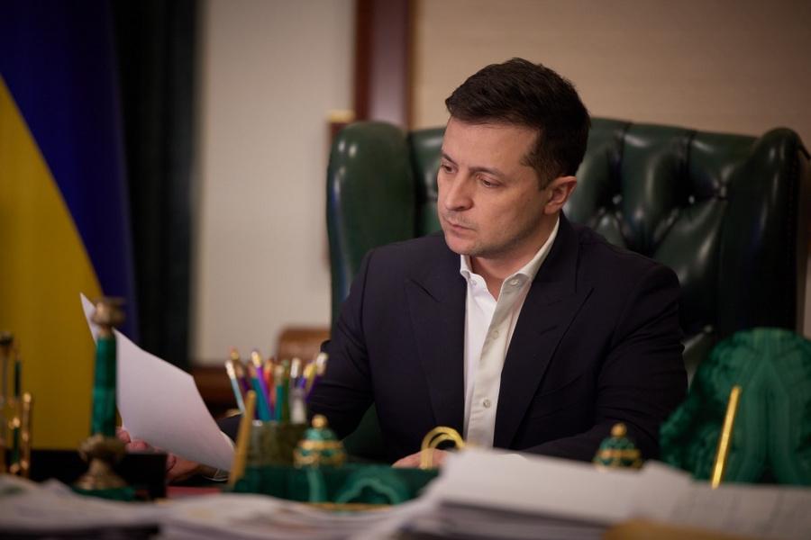"<p>Президент Украины Владимир Зеленский. Фото © <a href=""https://www.president.gov.ua/ru/news/tarifi-na-teplo-j-garyachu-vodu-na-miscyah-ne-mayut-pidvishu-66245"" target=""_blank"" rel=""noopener noreferrer"">Официальный сайт президента Украины</a></p>"