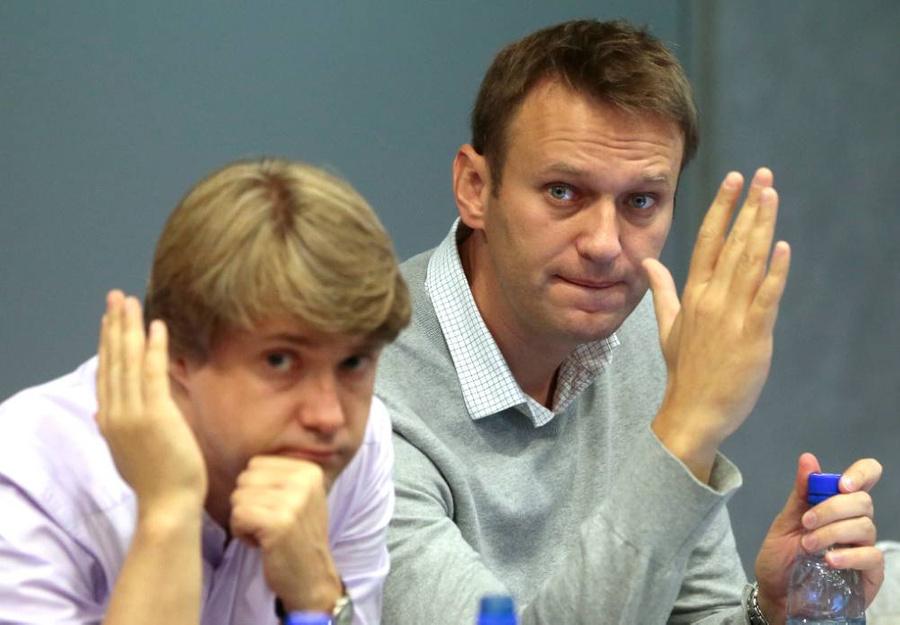 <p>Владимир Ашурков и Алексей Навальный. Фото © ТАСС / Метцель Михаил</p>