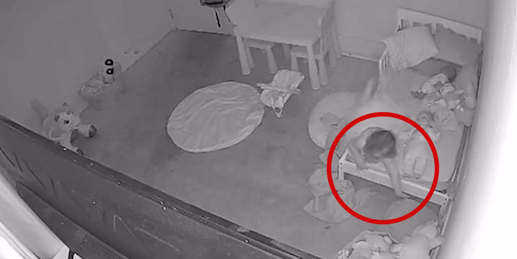 Папа онемел от страха, когда увидел на кадрах с видеоняни, как его дочку кто-то тянет под кровать