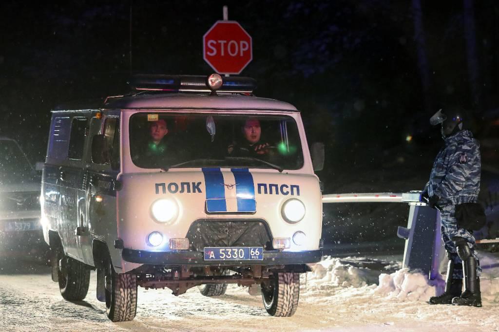 Двух силовиков ранили при проверке документов в Карачаево-Черкесии