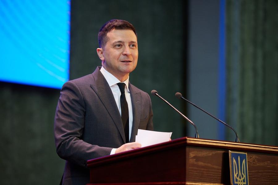 "<p>Фото © <a href=""https://www.president.gov.ua/ru/photos/uchast-prezidenta-u-forumi-osvita-ukrayini-2021-strategichni-3833"" target=""_blank"" rel=""noopener noreferrer"">Официальный сайт президента Украины</a></p>"