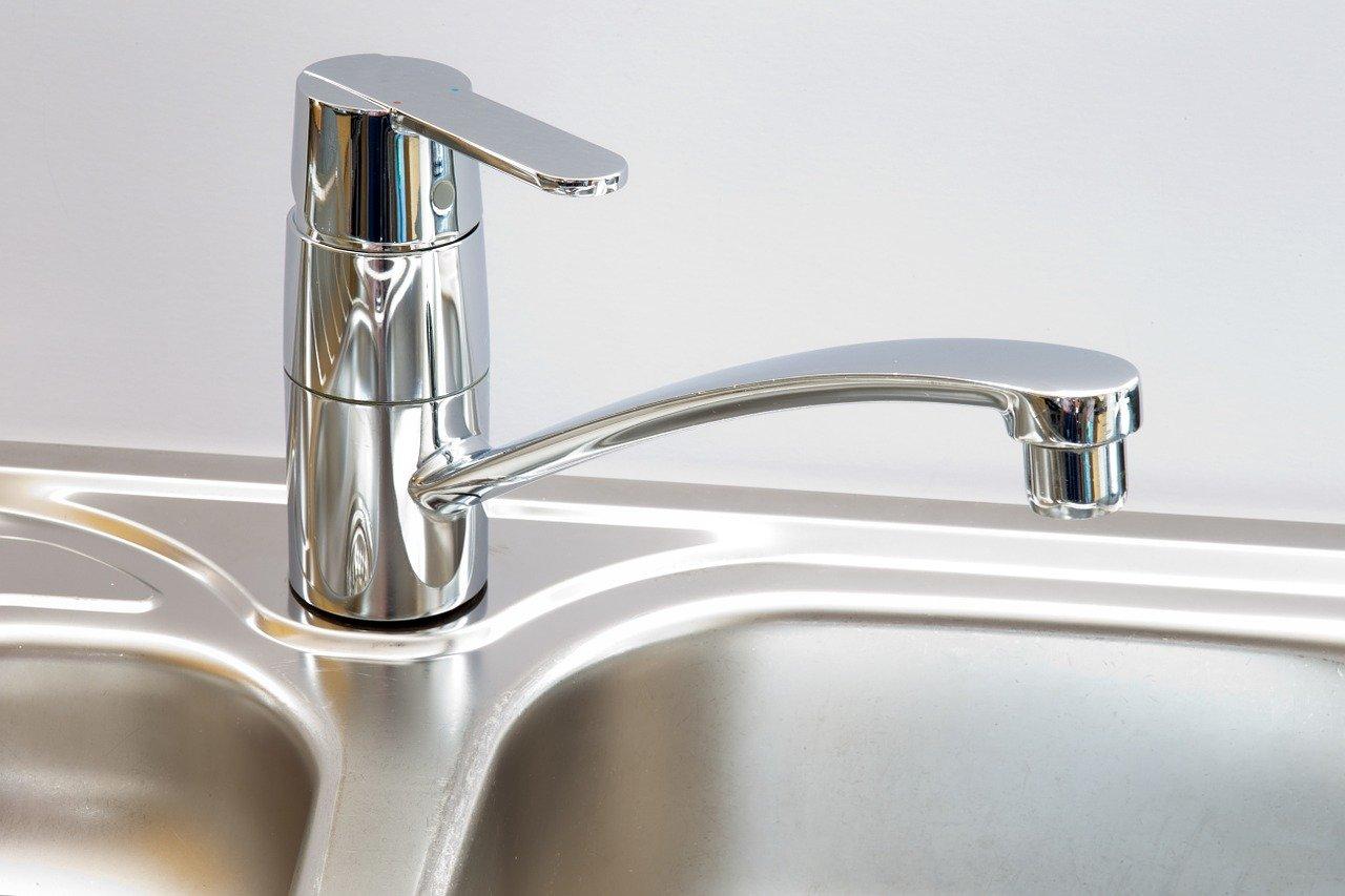 Более 400 тысяч жителей Саратова остались без воды из-за аварии