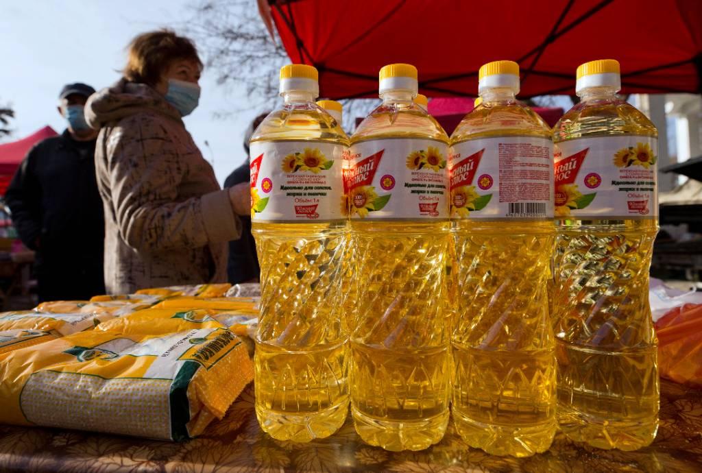 Производители намерены сохранить нынешние цены на подсолнечное масло до августа