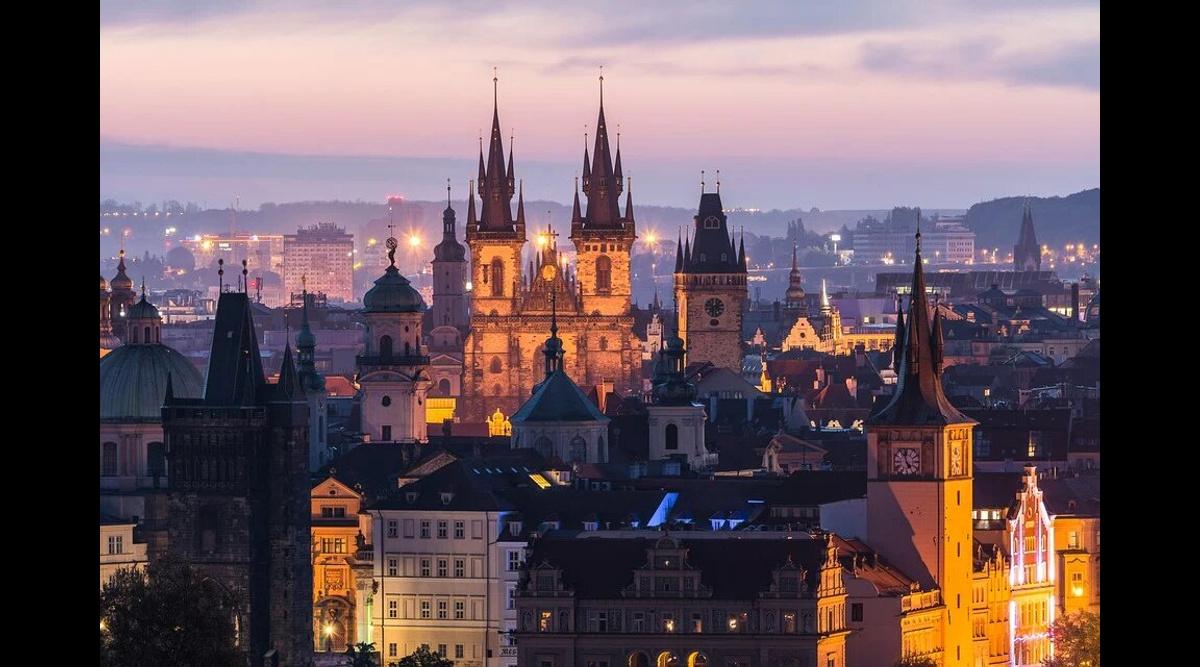 1403268856926.9495 Прага опровергла вызов своего посла в МИД РФ, но Захарова призвала чешских дипломатов готовиться