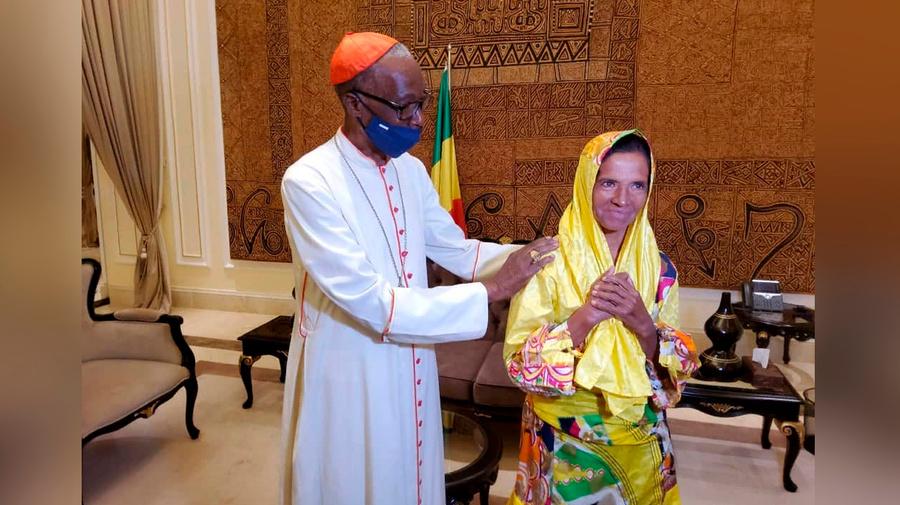 "<p>Фото © Twitter / <a href=""https://twitter.com/PresidenceMali/status/1446912821816610824"" target=""_blank"" rel=""noopener noreferrer"">Presidence Mali</a></p>"