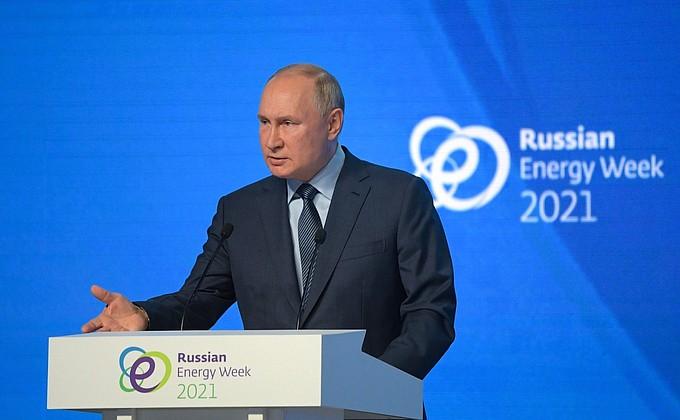 Путин  о Навальном: Никого не собираемся ставить в какие-то эксклюзивные условия