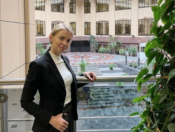 "<p>Фото © Instagram.com /<a href=""https://www.instagram.com/p/CUCmBFnIdz-/"" target=""_blank"" rel=""noopener noreferrer""> nv_poklonskaya </a></p>"