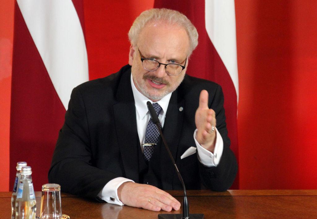 Президент Латвии получил положительный тест на ковид