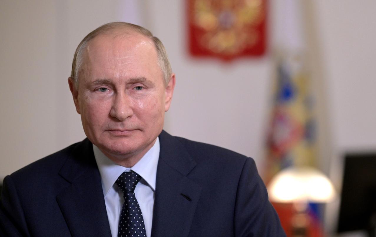 Путин заявил о весомой роли женщин в решении стоящих перед миром задач