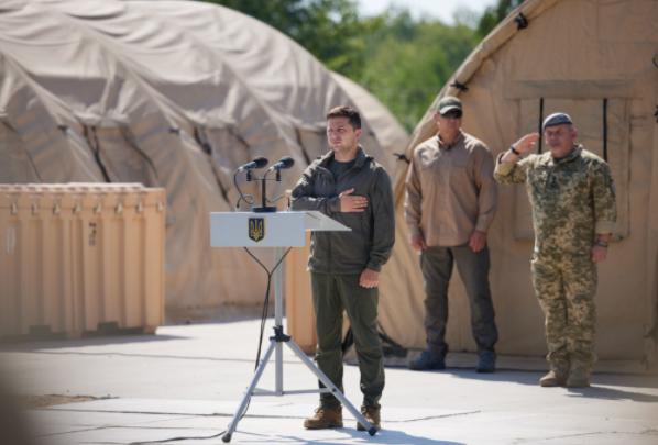 Зеленский привёз в Донбасс послов стран G7