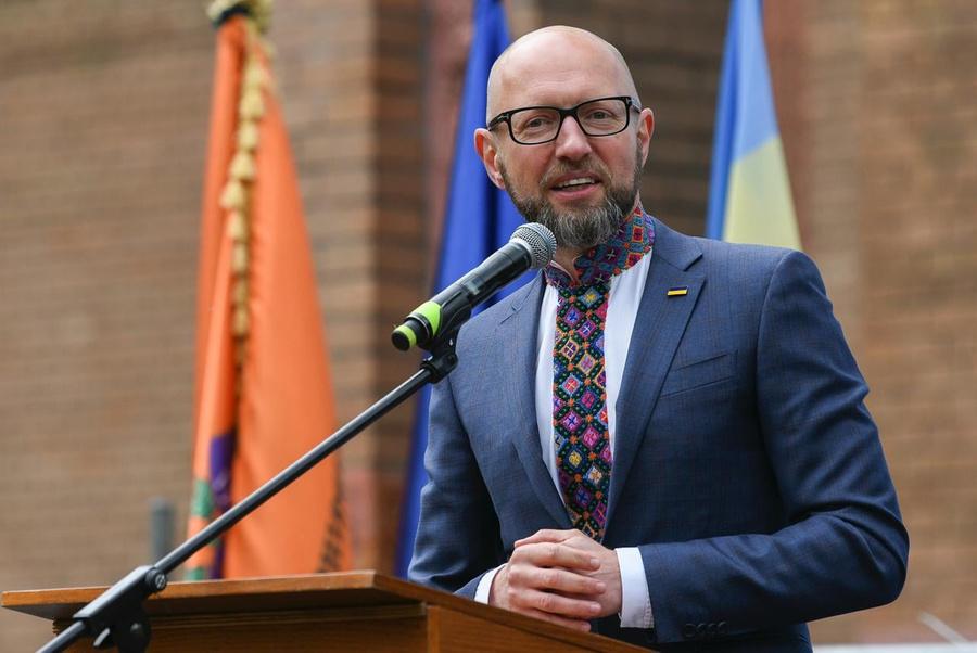 """Яценюк рассказал о миллиардных потерях Украины из-за """"газового провала"""""""