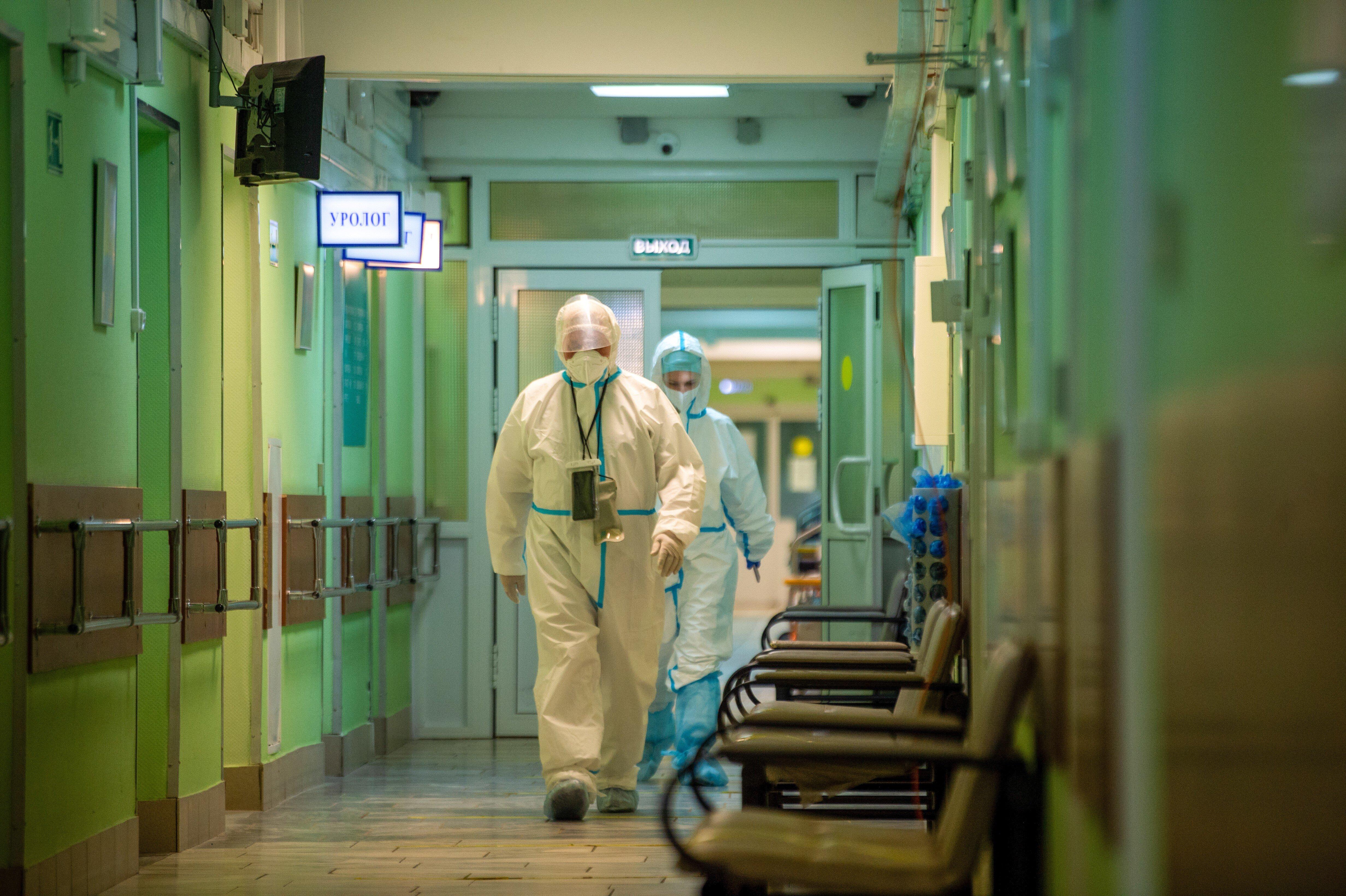 Врачи назвали причину участившихся госпитализаций детей с ковидом в реанимацию