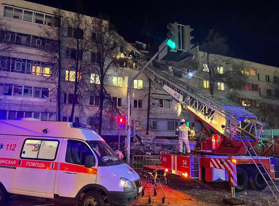 Пострадавшего при взрыве квартиры в Набережных Челнах подростка эвакуируют в Казань