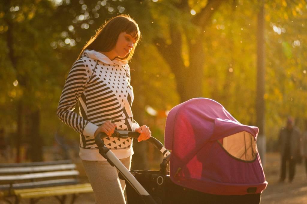 Одиноким родителям могут разрешить тратить материнский капитал