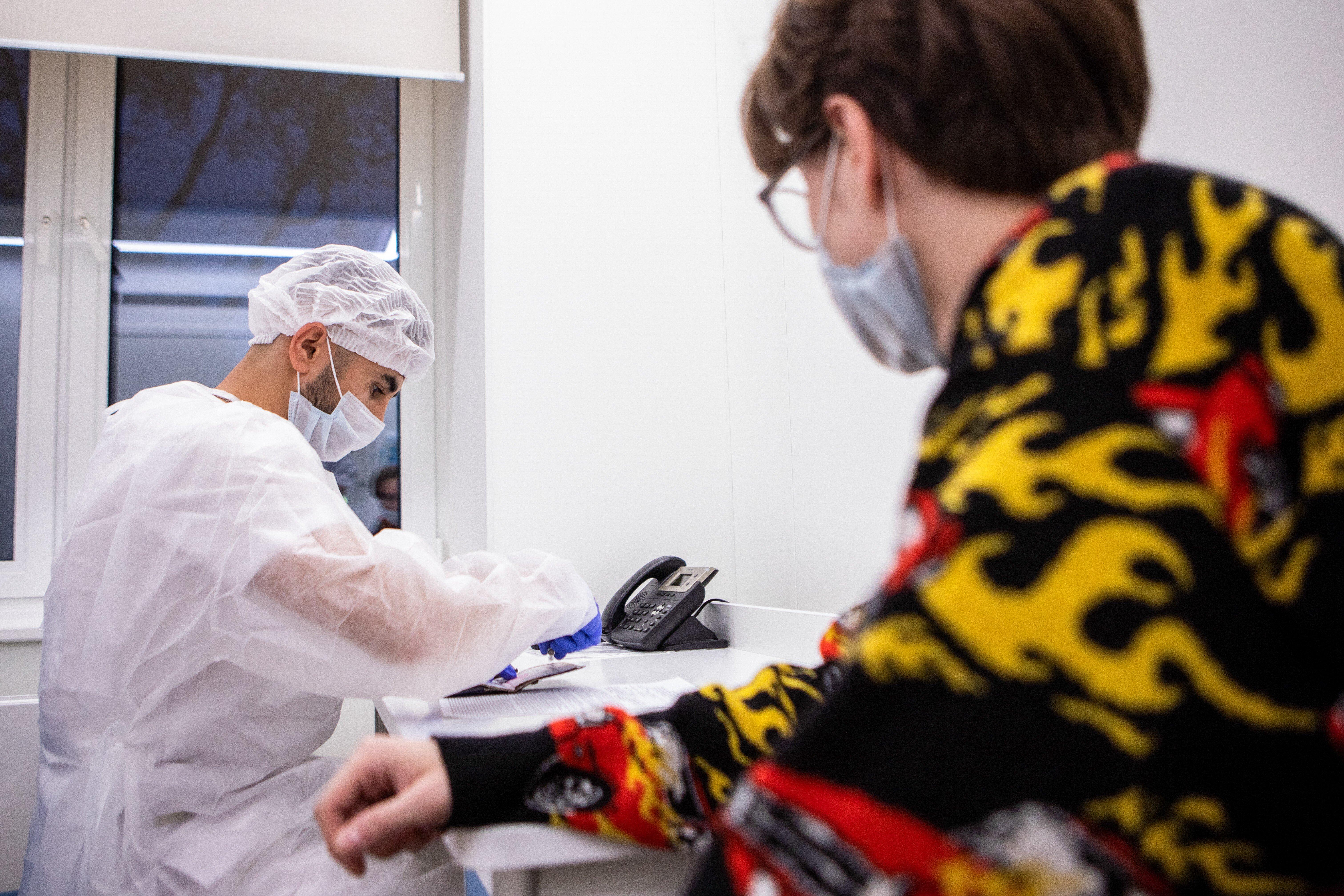 Учёный: Человек больше года может оставаться носителем коронавируса