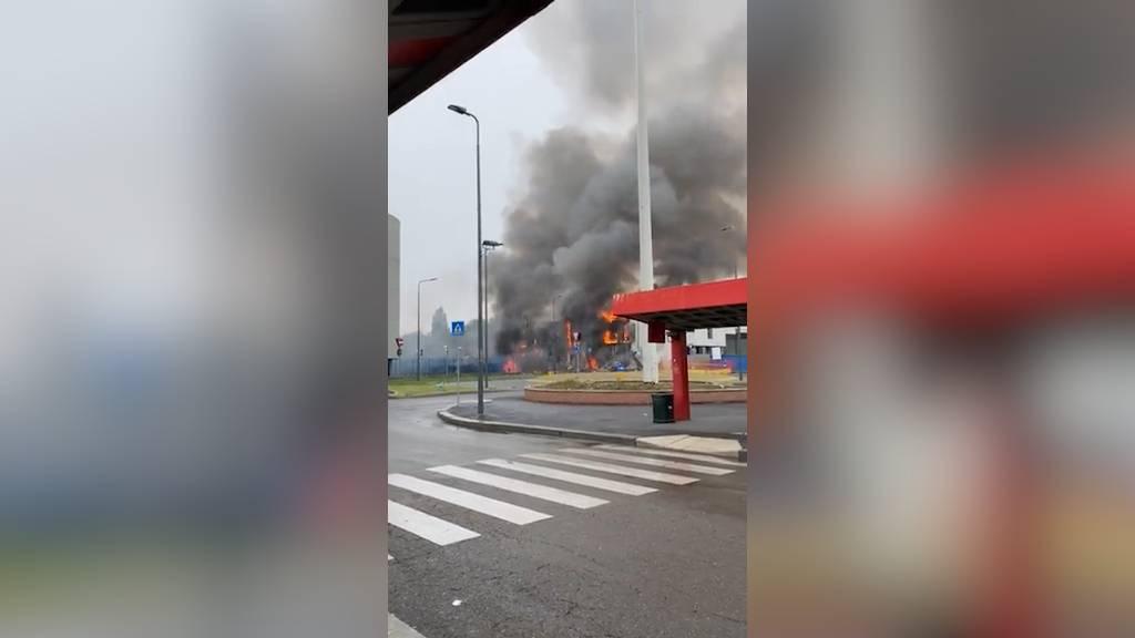 Восемь человек погибли при крушении частного самолёта в Милане