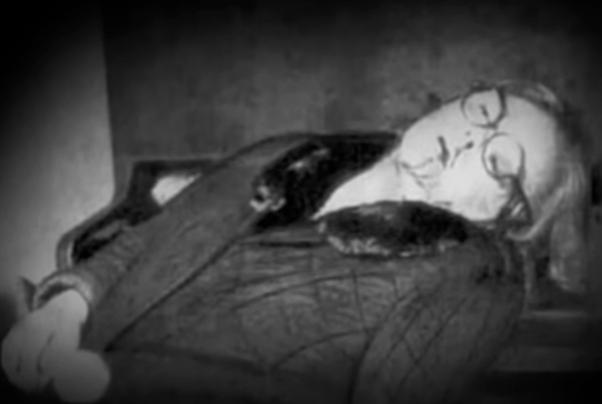 Тело Зои Фёдоровой на месте убийства. Фото © youtube.com/история