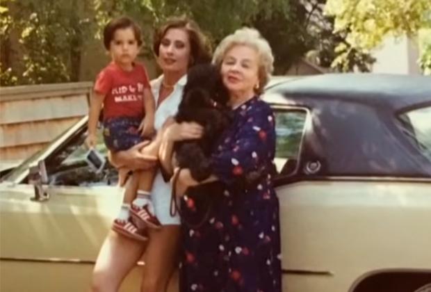 Зоя Фёдорова с дочерью и внуком в США. Фото ©youtube.com/Пусть Говорят