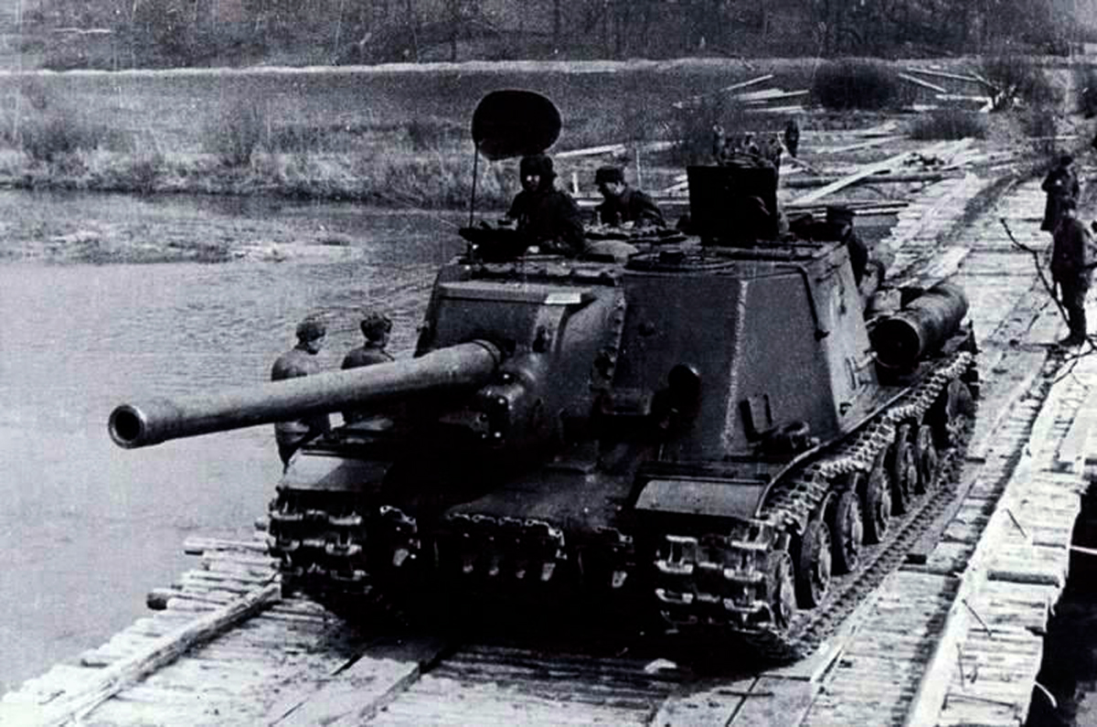 "<p>Фото © <a href=""https://topwar.ru/95077-sovetskie-sau-protiv-nemeckih-tankov-chast-2-ya.html"" target=""_blank"" rel=""noopener noreferrer"">Военное обозрение</a></p>"