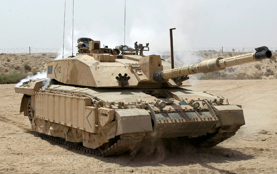 "<p>Танк Challenger 2. Фото © <a href=""https://en.wikipedia.org/wiki/Challenger_2#/media/File:Challenger_2_Main_Battle_Tank_patrolling_outside_Basra,_Iraq_MOD_45148325.jpg"" target=""_blank"" rel=""noopener noreferrer"">Wikipedia</a></p>"