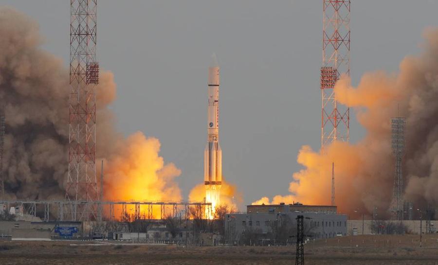 """Запуск ракеты-носителя """"Протон-М"""" с аппаратами межпланетной миссии ExoMars, 2016. Фото © ТАСС / AP"""
